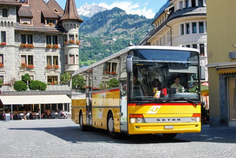 bus-2730653_1920.jpg
