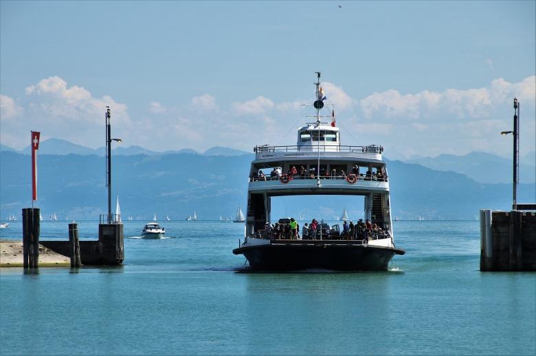 ferry-3601612_1920