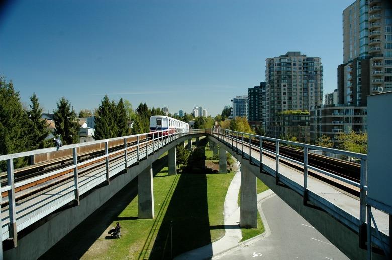 vancouver-skytrain-533827_1920.jpg
