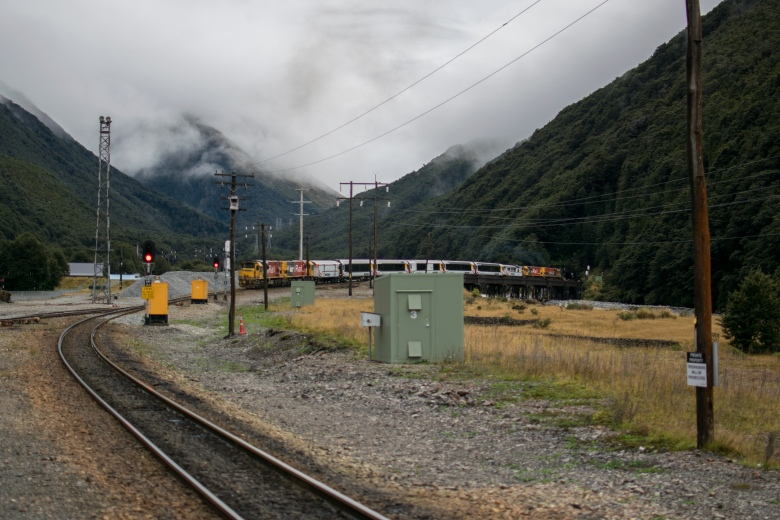 Train-Tunnel-Otira-1-2