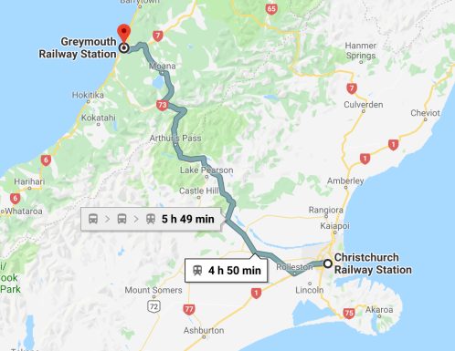 Voyager-en-train-TranzAlpine-1.png