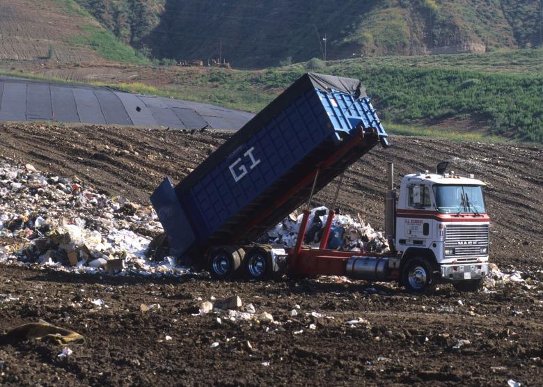 Friperie-Landfill.jpg